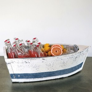 Boat shaped ice bucket